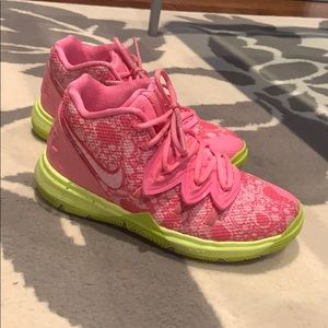 Kyrie 5 - Patrick Star sneakers for sale!